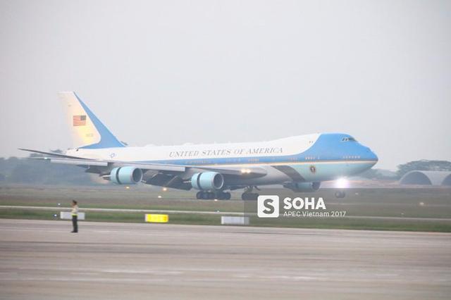 [LIVE] Một chuyên cơ Air Force One hạ cánh xuống sân bay Nội Bài - Ảnh 1.