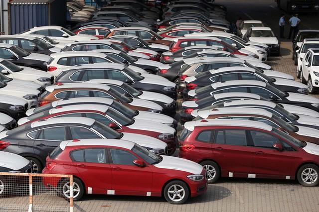 Hơn 133 chiếc xe sang BMW đã làm thủ tục hải quan và đang nằm lưu kho tại cảng VICT