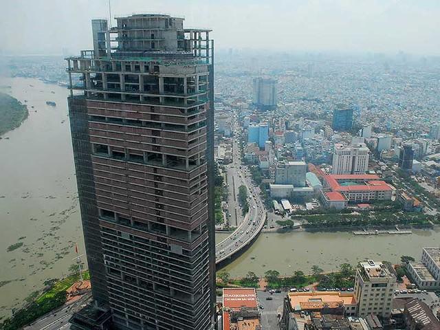 Cao ốc Sài Gòn One Tower, quận 1, TP.HCM là một trong những dự án bị VAMC siết nợ năm 2017. Ảnh: HTD