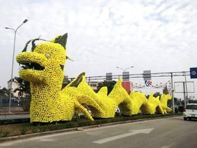 Con rồng trang trí tại đường Lê Hồng Phong, Hải Phòng.