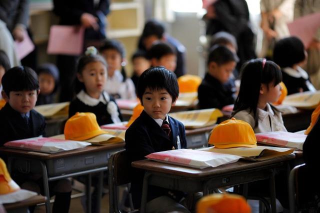 Người Nhật muốn trẻ con học làm nhân trước khi học làm quan.