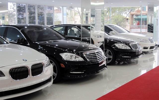 Nhiều mẫu xe ô tô vẫn giảm giá