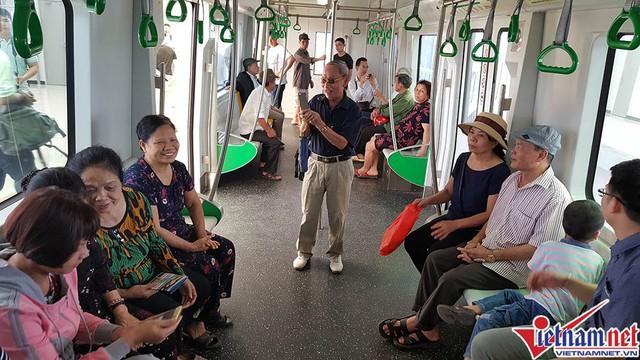 Ban QLDA Đường sắt cho biết sẽ có cả thang cuốn phục vụ hành khách lên xuống nhà ga