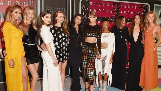 Taylor Swift và đội hình bạn thân toàn các ngôi sao nổi tiếng