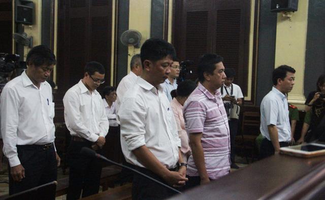 Các bị cáo liên quan tới vụ án buôn lậu thuốc giả xảy ra ở VN Pharma.