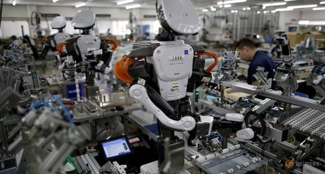 Những robot thay thế hàng nghìn con người trong sản xuất