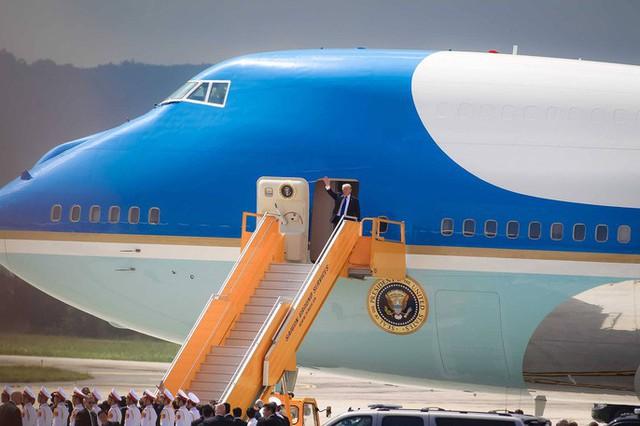 Tổng thống Mỹ Donald Trump lần đầu đến Việt Nam
