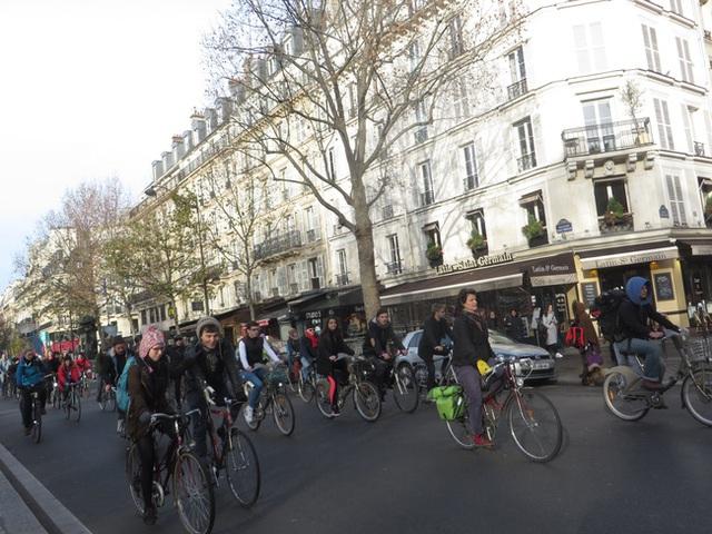 Những người đạp xe từ khắp thế giới đổ về Paris tham dự sự kiện COP21.