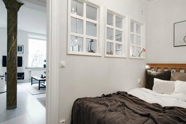 Không gian nơi đây được tách biệt hoàn toàn với khu vực bếp và phòng khách đảm bảo sự riêng tư và yên tĩnh cho giấc nhủ của chủ nhà.