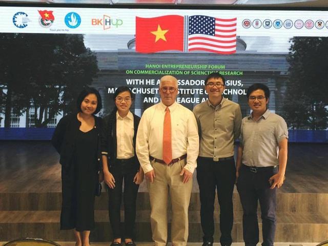 Hương Thảo có cơ hội gặp giáo sư và sinh viên MIT.