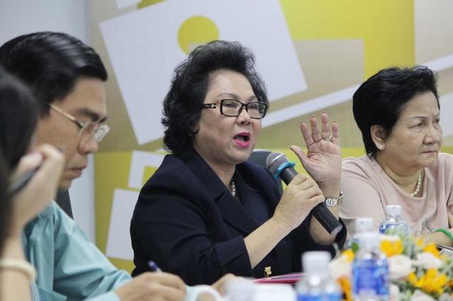 Bà Lý Kim Chi – Chủ tịch Hội lương thực - thực phẩm TP.HCM trao đổi tại tọa đàm. Ảnh: HOÀNG GIANG