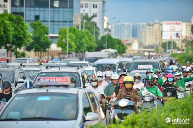 Trước đây, tuyến một vài con phố này không ngừng nghỉ xuất hiện cảnh tượng từng hàng dài một vài phương tiện giao thông nối đuôi nhau ùn tắc bất kể thời điểm nào trong ngày, độc đáo là vào giờ cao điểm.