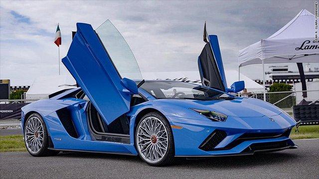 Phiên bản trở lại trong Aventador vẫn giữ được tính hung hăng, cá tính của Lamborghini.
