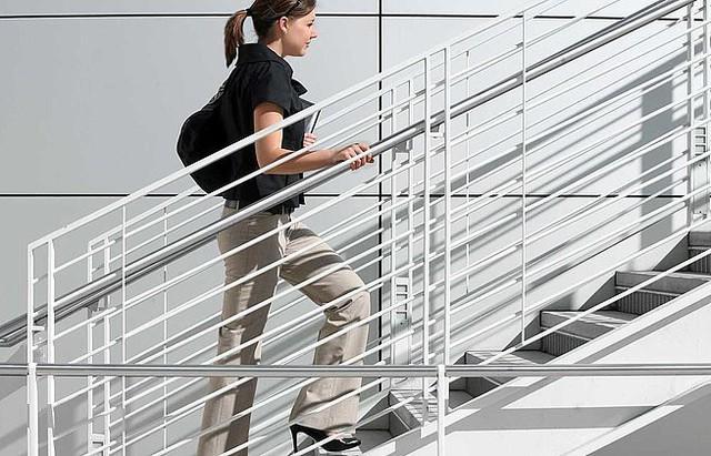 Đi thang bộ bất cứ khi nào có thể