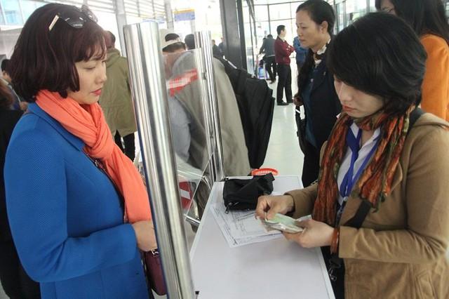 Tại điểm bán vé bến xe Kim Mã
