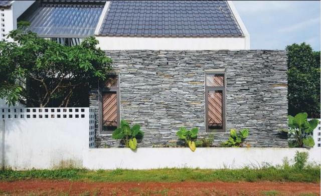 Trên khu đất rộng hơn 200 m2, anh Hùng chỉ xây nhà trên mặt bằng 110m2.