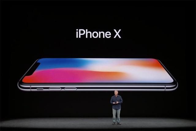 Nói cho vui thế thôi chứ đau đớn lắm, đừng tự chiều bản thân mình và đừng nghĩ đến iPhone X...