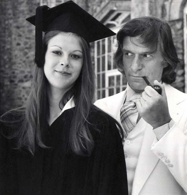 Christie nhận bằng cử nhân Văn học Anh Mỹ, chụp ảnh bên cạnh cha mình khi ấy đã rất nổi tiếng với tạp chí Playboy.