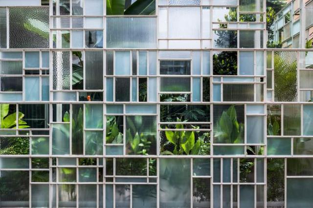Một kiểu thiết kế vô cùng sáng tạo và độc đáo giúp cho không gian bên ngoài và bên trong không hề bị chia cắt và mở rộng tầm nhìn.