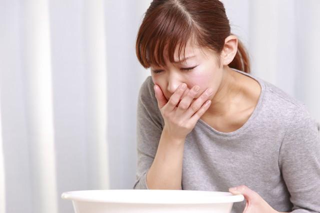 Cách phân biệt các triệu chứng viêm loét dạ dày và ung thư dạ dày mà nhiều người đang nhầm lẫn - Ảnh 4.