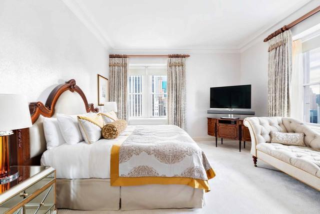 Tổng diện tích của 6 phòng ngủ và không gian mà khách thuê nhà được sử dụng lên đến gần 445 m2.