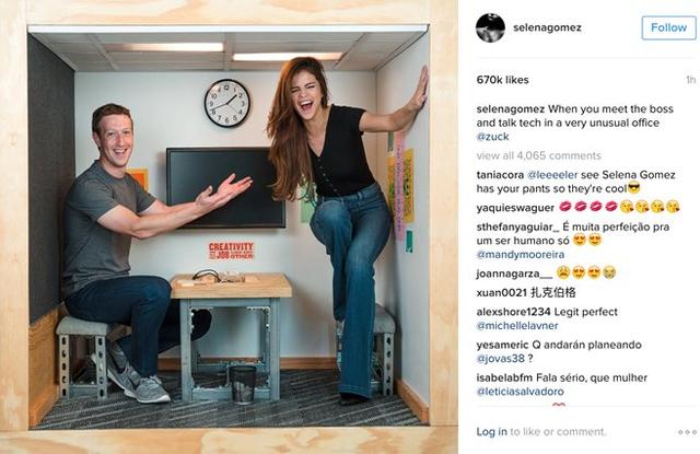 CEO Facebook gặp gỡ Selena Gomez trong căn phòng nhỏ nổi tiếng.