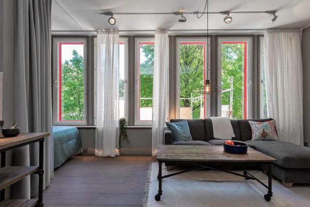 Cả căn hộ mang đến một cảm giác ấm áp, dễ chịu, luôn chan hòa ánh sáng tự nhiên.