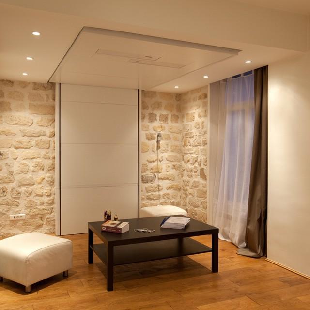 Với thiết kế thông minh cùng trần thạch cao, chiếc giường nhà bạn hoàn toàn biến mất chỉ trong chốc lát.
