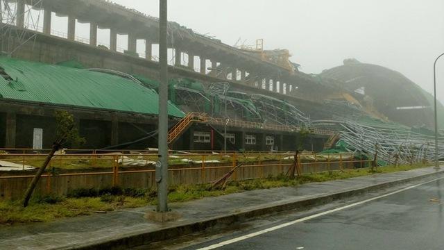 Kho chứa than của nhà máy điện tại Công ty Formosa bị đánh sập.