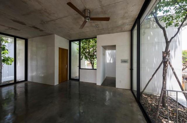 Thiết kế thông minh này mang đến cho ngôi nhà một không gian sống vô cùng trong lành, tươi mát, giúp con người hòa mình với thiên nhiên.