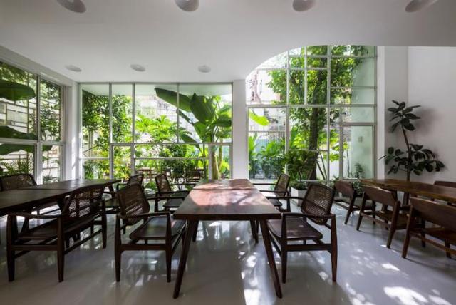 Có thể nói nơi đây là một không gian không chỉ dành cho khách hàng đến để ăn uống mà còn là nơi tương tác cảm xúc và kiến trúc.