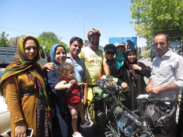 Ngày rời Tabriz, tôi biết mình đã có một gia đình ở Iran.