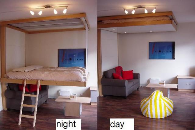 Vào ban ngày chiếc giường biến mất hoàn toàn và thay vào đó là một phòng khách rộng rãi.
