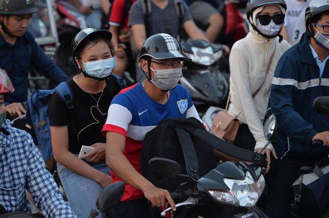 Hà Nội: Tắc khắp ngả, đông nghẹt bến xe trước nghỉ lễ  - Ảnh 10.