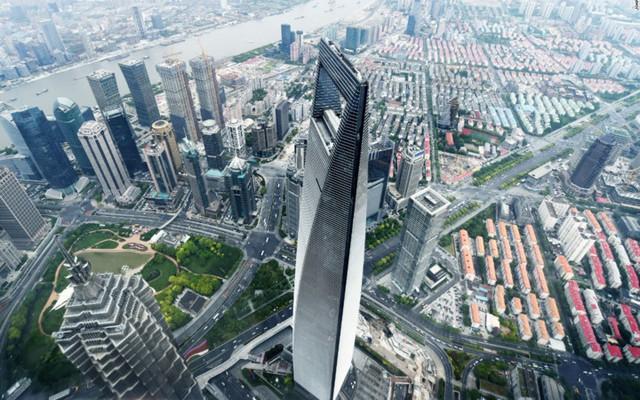 Shanghai Tower là tòa tháp cao nhất ở Trung Quốc, và cao thứ 2 thế giới, chỉ sau công trình chọc trời ở Dubai