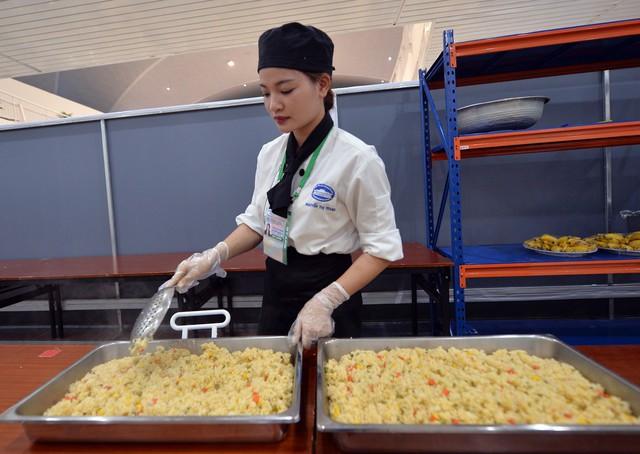 Theo ông Hùng, việc chuẩn bị chu đáo nhất tại Trung tâm Báo chí là một cách để quảng bá sự thân thiện và hình ảnh tươi đẹp của đất nước Việt Nam với bạn bè thế giới.