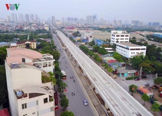 Tuyến metro Nhổn – Ga Hà Nội được khởi công từ năm 2006 và được xác định đến cuối năm 2010 sẽ hoàn thành.