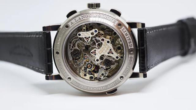 Chiêm ngưỡng siêu đồng hồ có chức năng bấm giờ độc lập đặc biệt nhất trên thế giới - giới hạn 100 chiếc và giá tới 147.000 USD - Ảnh 1.