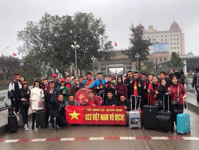 Một không khí rất khác trước ngày diễn ra trận chung kết U23 Châu Á: Màu cờ sắc áo đã tràn ngập khắp phố phường! - Ảnh 38.