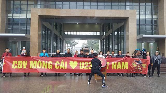 Một không khí rất khác trước ngày diễn ra trận chung kết U23 Châu Á: Màu cờ sắc áo đã tràn ngập khắp phố phường! - Ảnh 39.