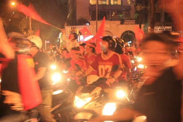 Xử lý 274 trường hợp đi bão vi phạm giao thông sau trận chung kết U23 Việt Nam - Ảnh 1.