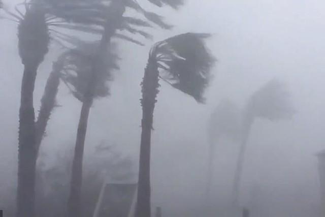 Siêu bão Michael đổ bộ vào Mỹ và Panama có sức tàn phá khủng khiếp - Ảnh 1.