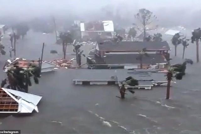 Siêu bão Michael đổ bộ vào Mỹ và Panama có sức tàn phá khủng khiếp - Ảnh 2.