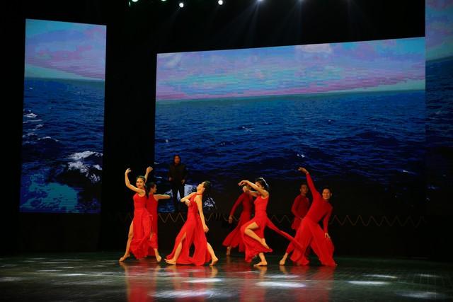 Những hình ảnh ấn tượng về hành trình giọt nước ra đại dương cảm hứng từ gia đình Dr Thanh - Ảnh 12.