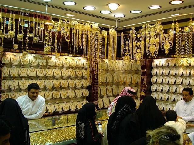 Choáng ngợp trước chợ vàng lớn nhất thế giới ở Dubai - Ảnh 5.