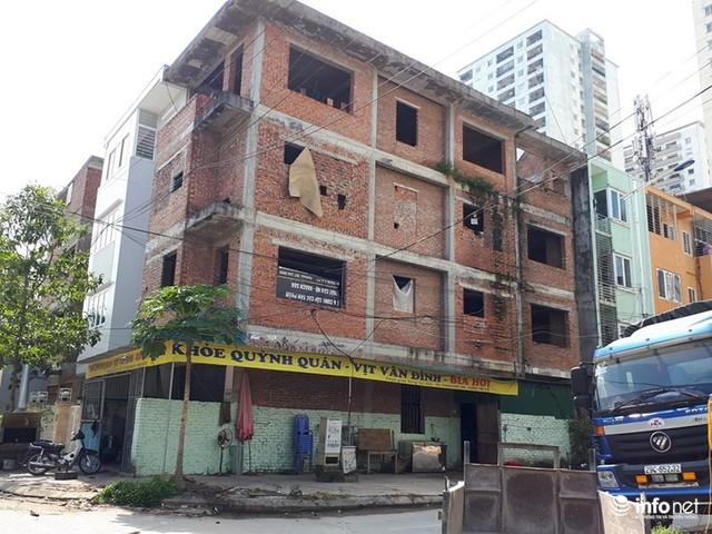 Những villa ổ chuột, cởi trần giá hàng chục tỷ giữa Thủ đô - Ảnh 4.