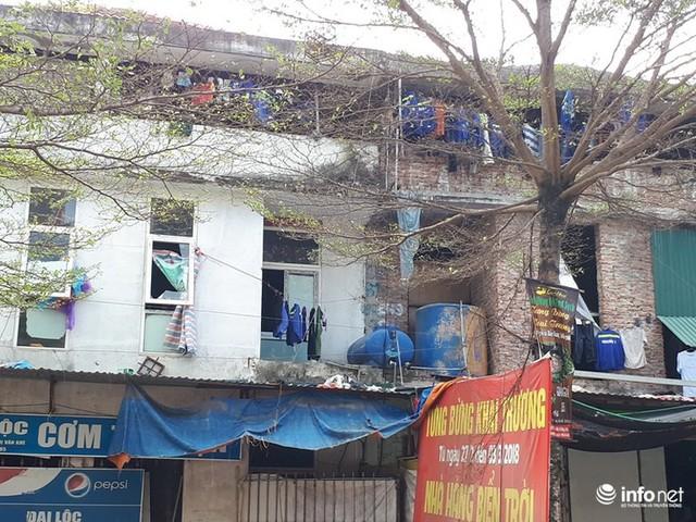 Những villa ổ chuột, cởi trần giá hàng chục tỷ giữa Thủ đô - Ảnh 8.