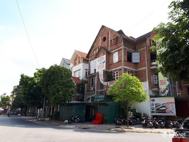 Những villa ổ chuột, cởi trần giá hàng chục tỷ giữa Thủ đô - Ảnh 10.
