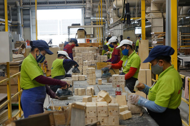Vượt sức ép tranh giành, kinh tế Việt Nam kỳ vọng tăng 70 tỉ USD - Ảnh 1.