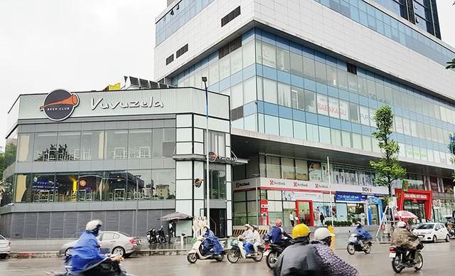 Chung cư cấp cao Hà Nội hoán cải khu kỹ thuật... thành quán bia - Ảnh 1.